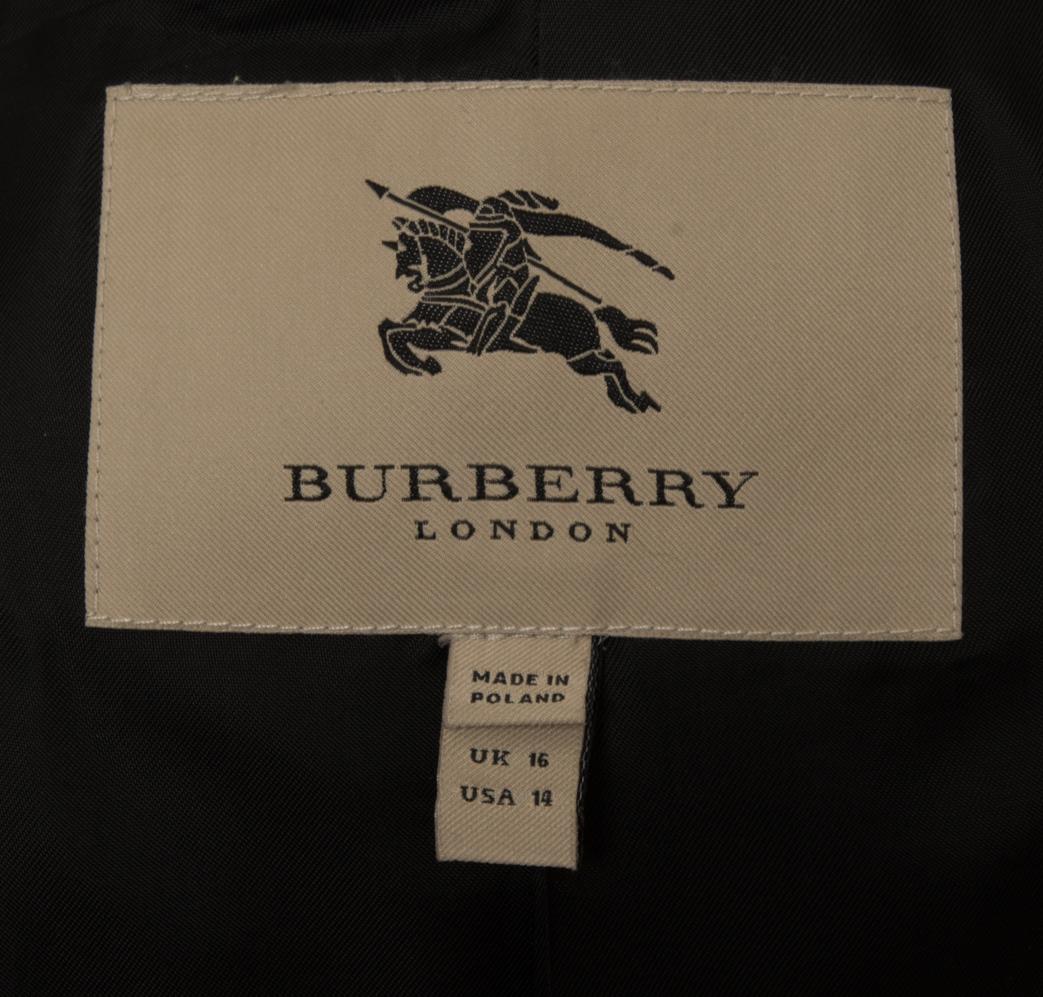 vintagestore.eu_burberry_london_wool_coat_fur_collar_IGP0223