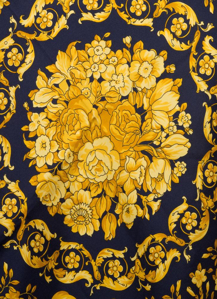 vintagestore.eu_versace_classic_scarf_silk_IGP0400