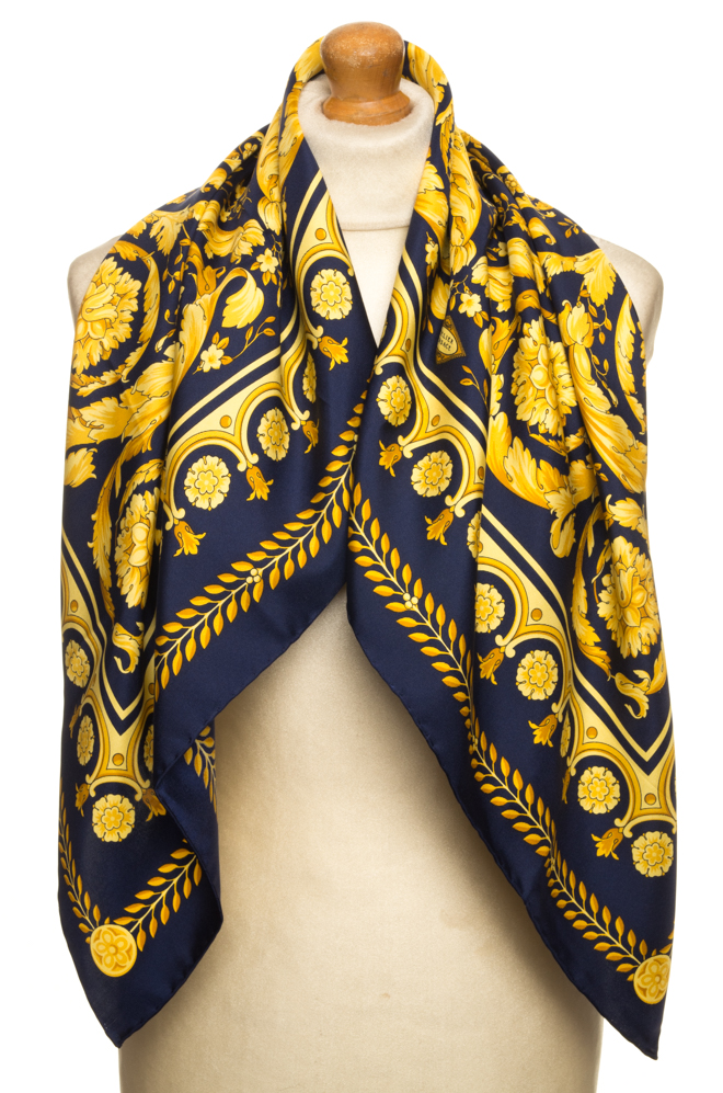 vintagestore.eu_versace_classic_scarf_silk_IGP0443