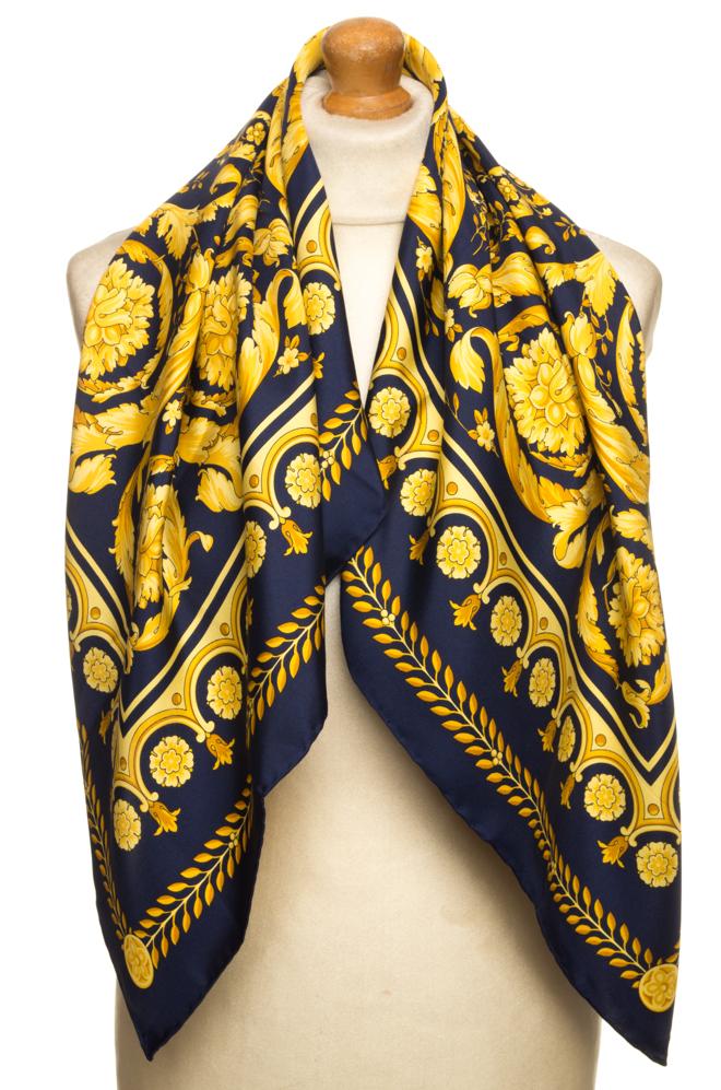 vintagestore.eu_versace_classic_scarf_silk_IGP0444