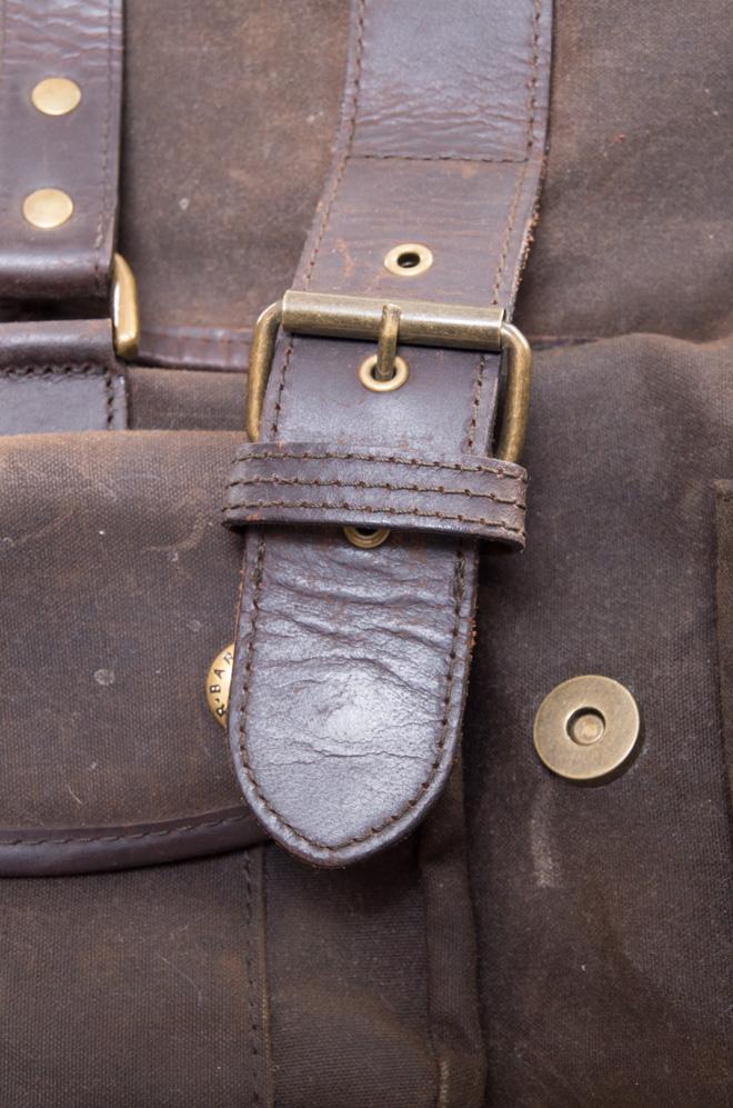vintagestore.eu_barbour_utility_wax_cotton_bag_IGP0299