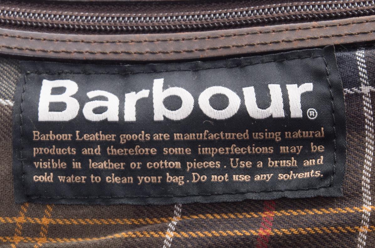 vintagestore.eu_barbour_utility_wax_cotton_bag_IGP0301