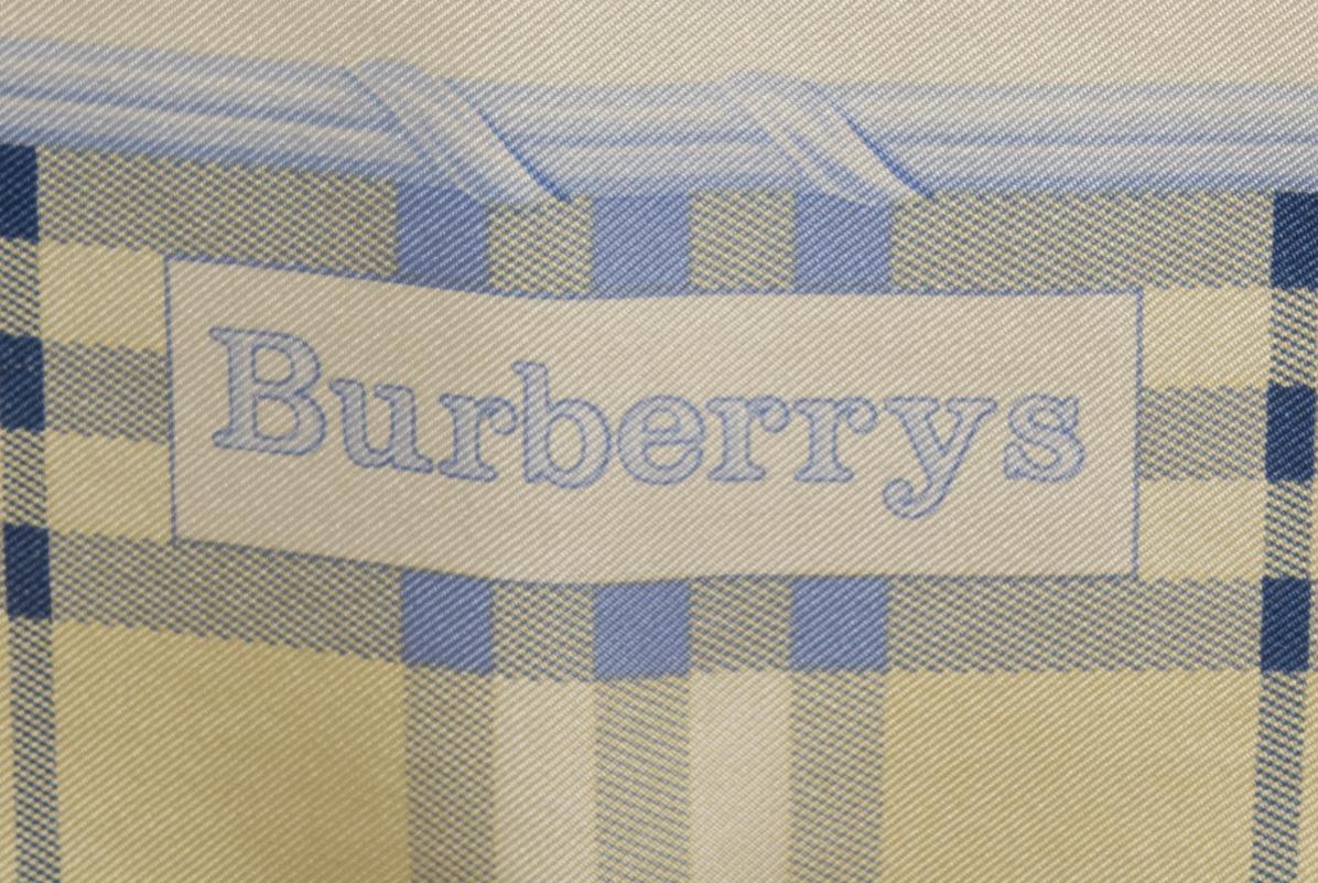 vintagestore.eu_vintage_burberry_silk_scarf_IGP0076