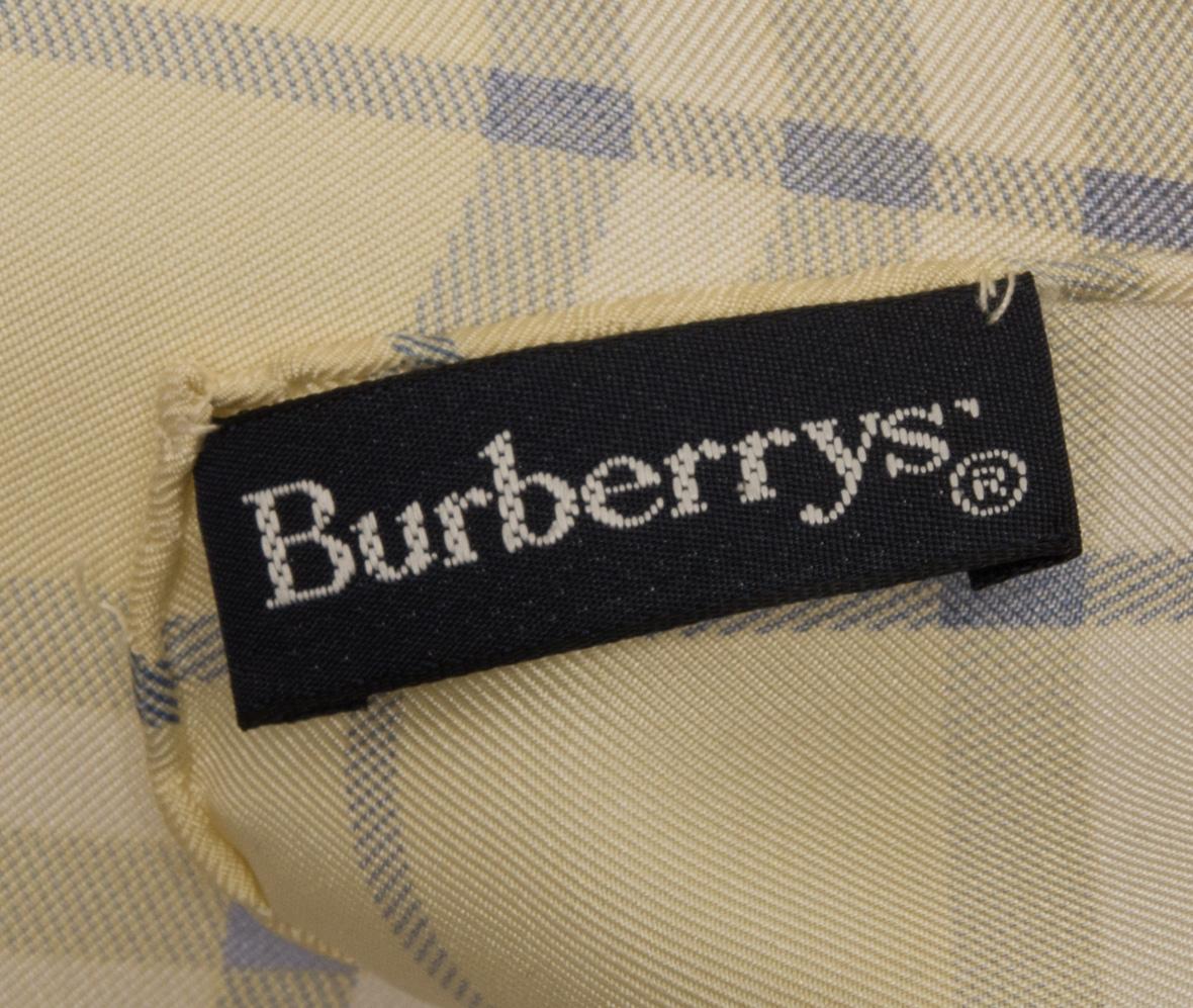 vintagestore.eu_vintage_burberry_silk_scarf_IGP0078