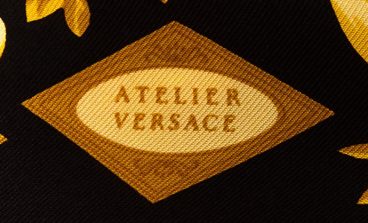 vintagestore.eu_versace_atelier_silk_scarf_IGP0406