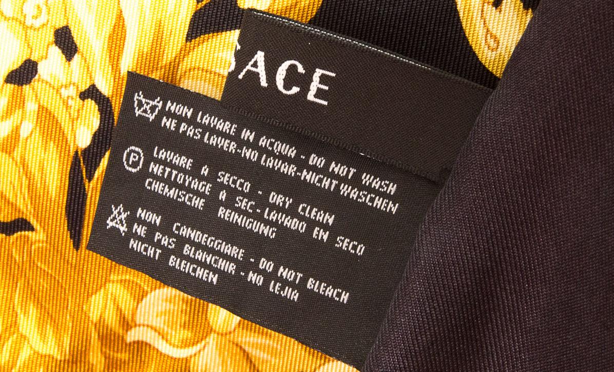 vintagestore.eu_versace_atelier_silk_scarf_IGP0408