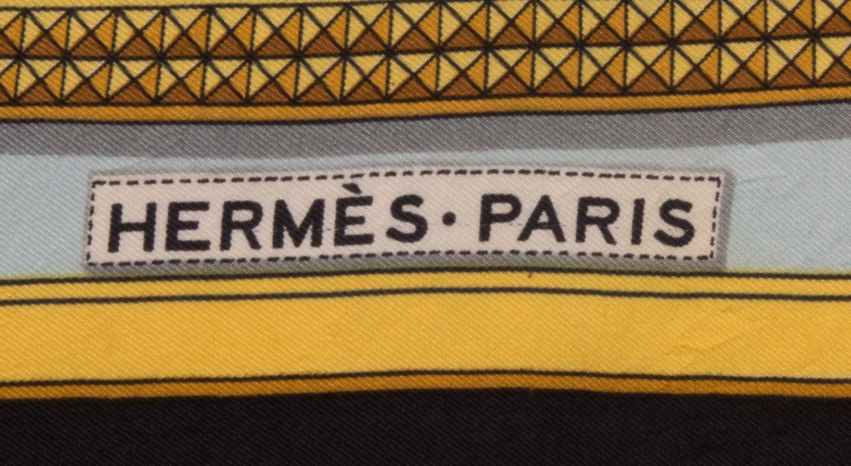 vintagestore.eu_hermes_paris_silk_scarf_grand_appart_IGP0048